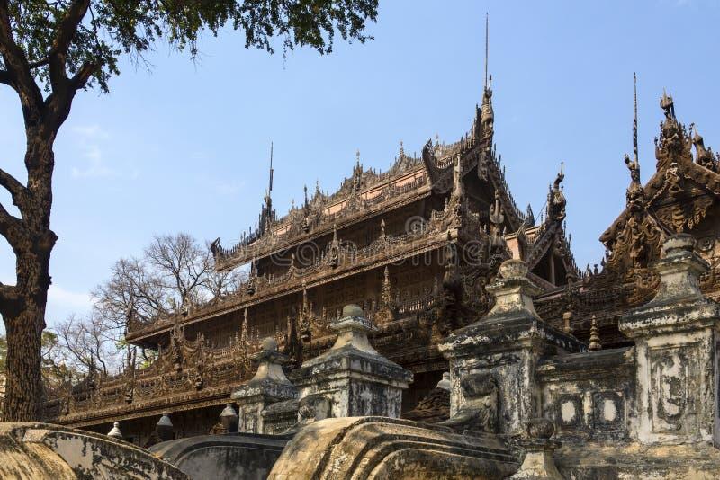 Monastero di Shwe Nandew - Amarapura- Myanmar immagini stock