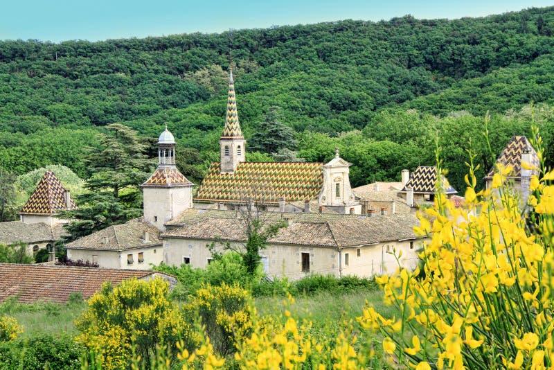 Monastero di Valbonne in Gard Provencal, Francia fotografie stock