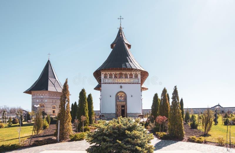 Monastero di Zosin in Moldavia un giorno soleggiato in primavera fotografia stock
