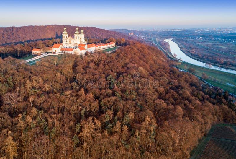 Monastero e chiesa di Camaldolese in Bielany, Cracovia, Polonia immagine stock libera da diritti