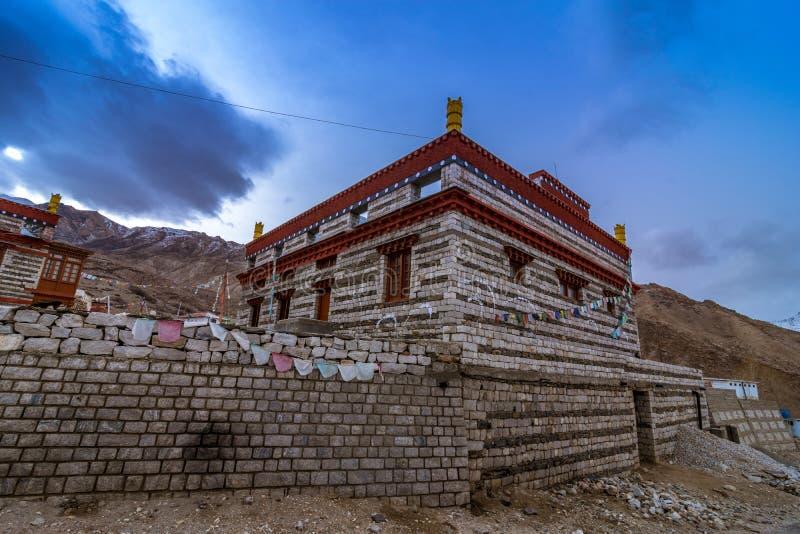 Monastero nel villaggio di Nako, valle di Kinnaur, Himachal Pradesh fotografie stock