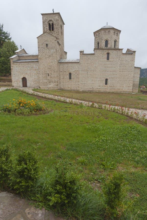 Monastero ortodosso Djurdjevi Stupov fotografie stock libere da diritti