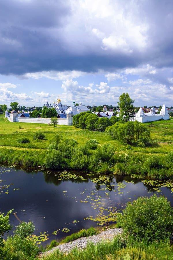 Monastero in Suzdal, Russia di Pokrovsky immagini stock libere da diritti