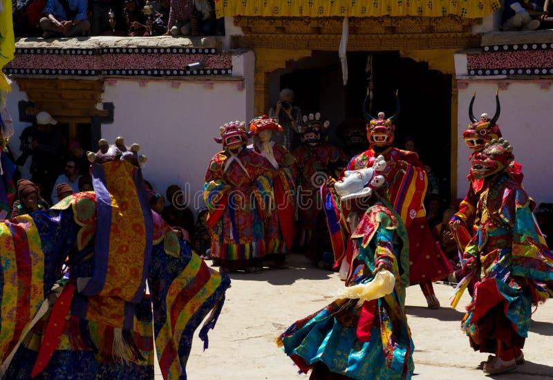 Monasteru festiwalu zamaskowani tancerze fotografia stock