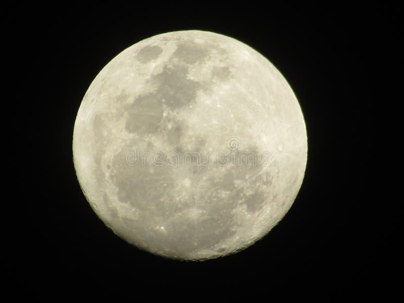 Monat über dem Himmel sriwijaya lizenzfreies stockbild