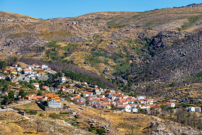 Monchique g?ry, Portugalia, widok od pobliskiego wysokiego punktu obraz royalty free
