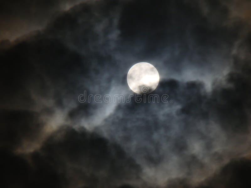 Mond, nächtlicher Himmel lizenzfreies stockbild