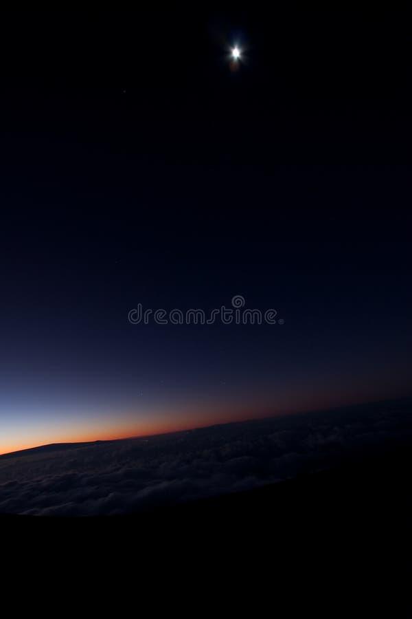 Mond und Sonnenaufgang stockfoto