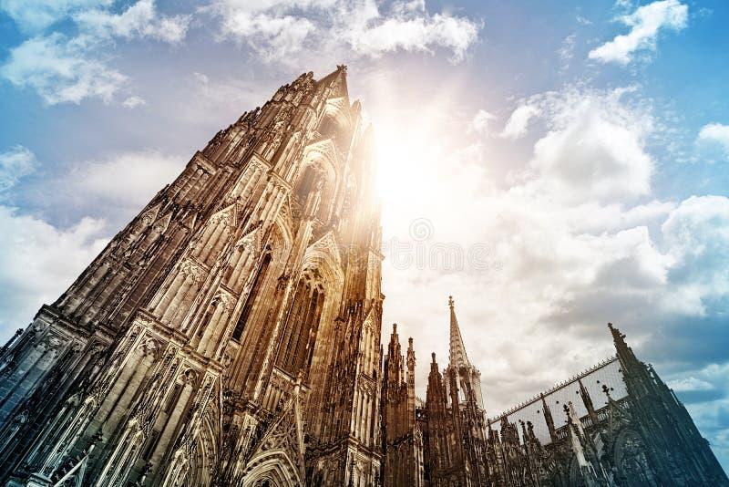 monde international de l'UNESCO de site de borne limite d'héritage célèbre de l'Allemagne de cologne de cathédrale photos libres de droits