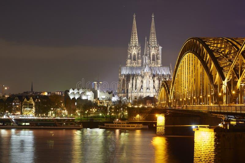 monde international de l'UNESCO de site de borne limite d'héritage célèbre de l'Allemagne de cologne de cathédrale photo libre de droits