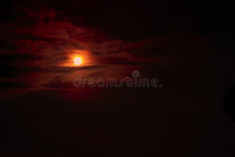Mondeklipse - Planetenrotblut lizenzfreies stockbild