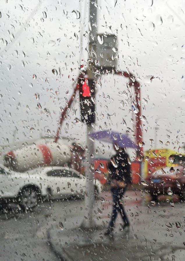 mondo in pioggia immagine stock