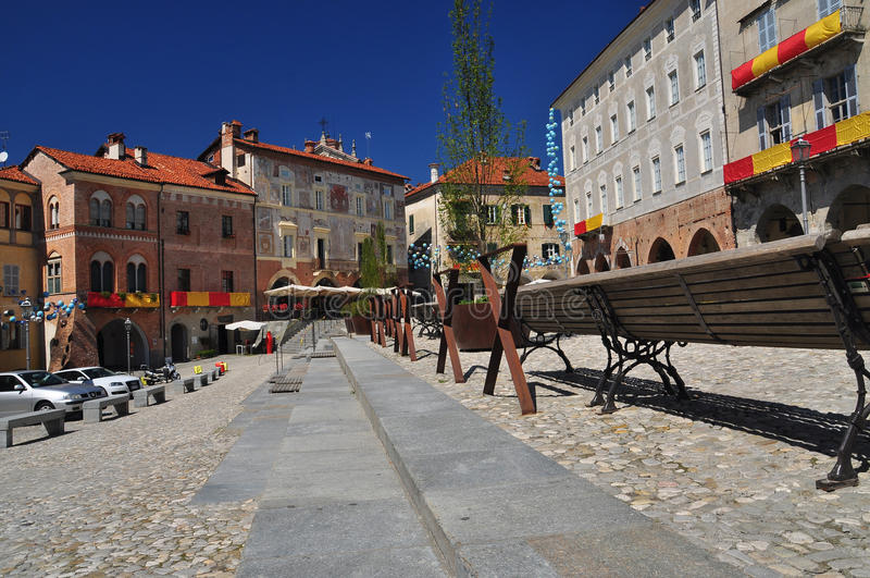 Mondovi, Cuneo, piazza Maggiore - quadrato centrale fotografie stock libere da diritti