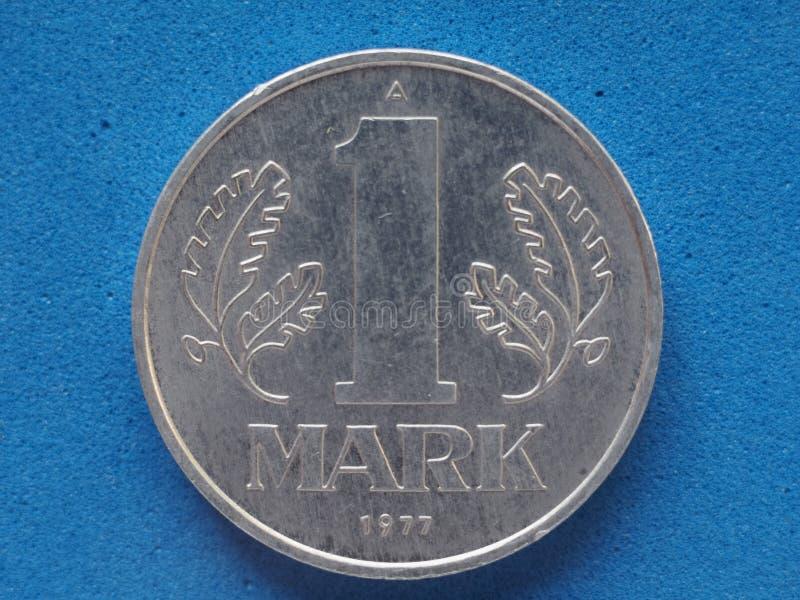 Moneda alemana aislada de RDA del vintage fotografía de archivo