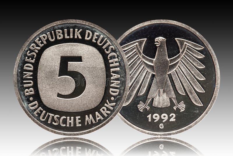 Moneda alemana cinco de Alemania 5 marcas, moneda de la circulación, pequeño cambio, acuñado 1992 fotos de archivo libres de regalías