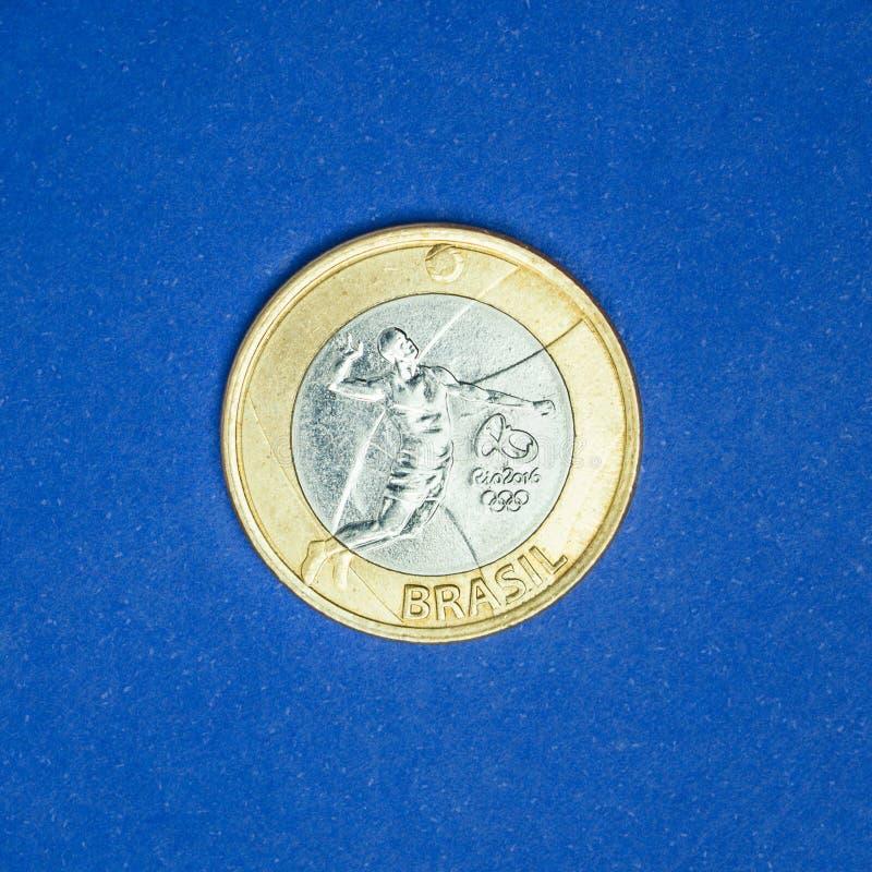 Moneda brasileña del ` real conmemorativo del ` uno - voleibol - ` de Río del ` de los juegos de las Olimpiadas 2016 foto de archivo libre de regalías