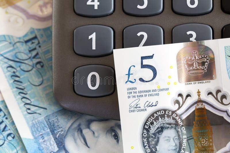 Moneda británica - nota de cinco libras fotografía de archivo libre de regalías