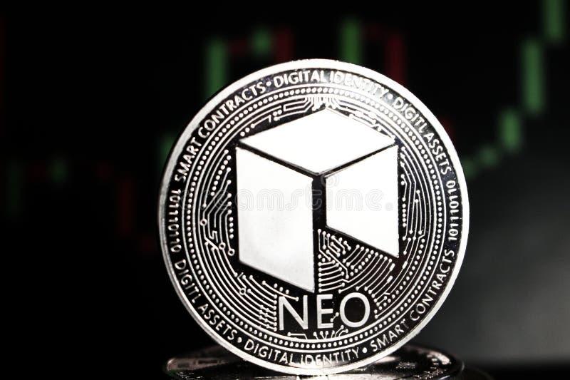 Moneda crypto nea entre otras monedas - moneda digital del futuro imagenes de archivo