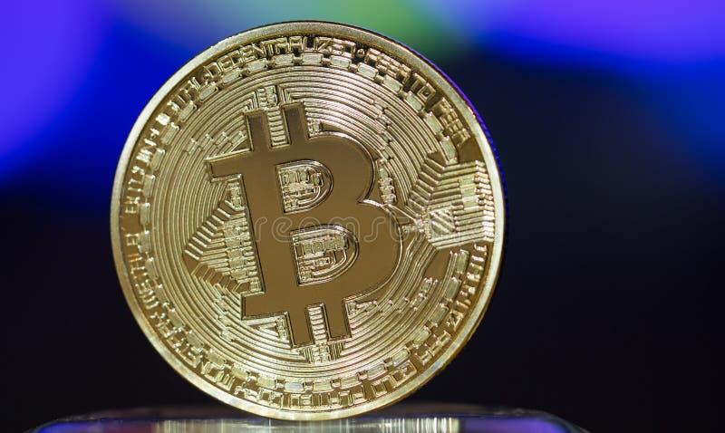 Moneda digital de Bitcoin o dinero virtual Bitcoin es moneda de Digitaces moderna del dinero virtual del pago del intercambio, or fotografía de archivo