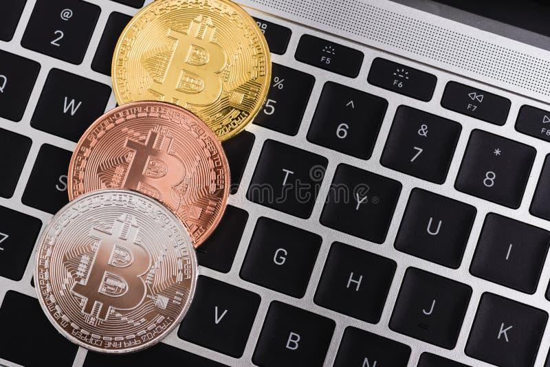Moneda, dinero de oro virtual del bitcoin del cryptocurrency fotografía de archivo libre de regalías