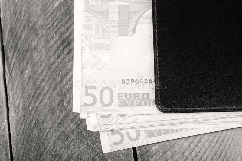 Moneda euro en la cartera foto de archivo libre de regalías