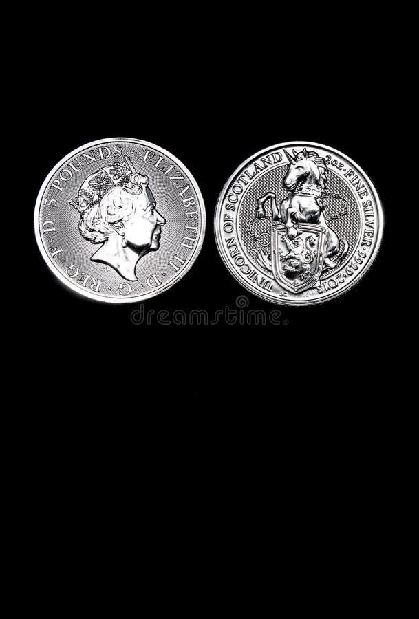 Monedas Crypto en un fondo negro imágenes de archivo libres de regalías