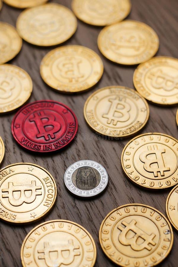 Monedas de oro de Bitcoin imágenes de archivo libres de regalías