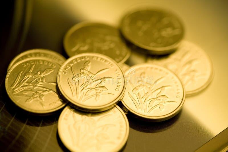 Monedas de oro de RMB imágenes de archivo libres de regalías