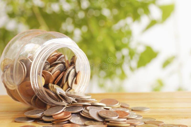 monedas del dinero apiladas imagen de archivo