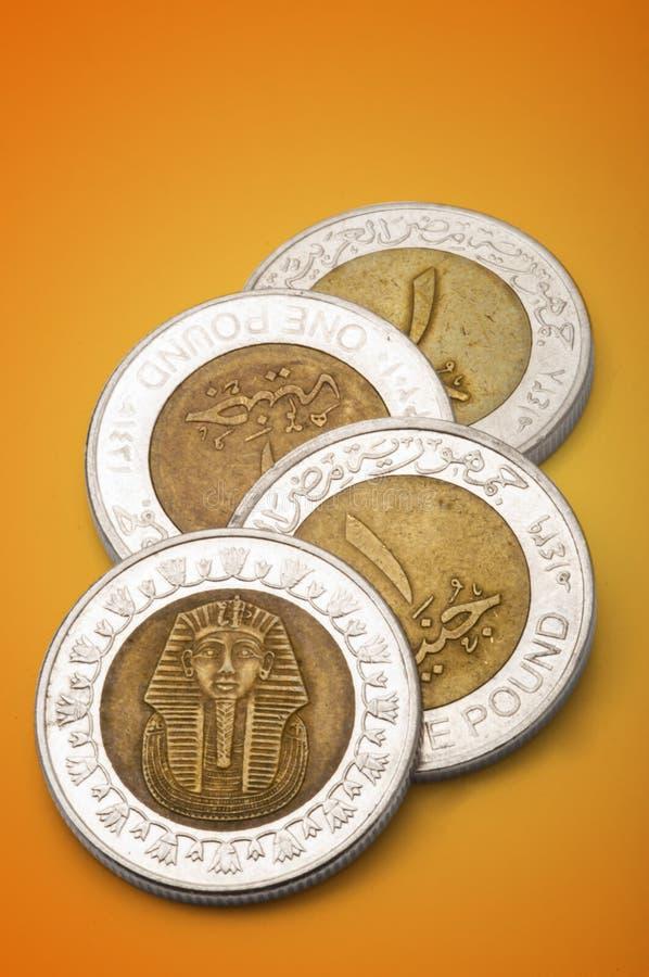 Monedas egipcias (una libra) fotos de archivo