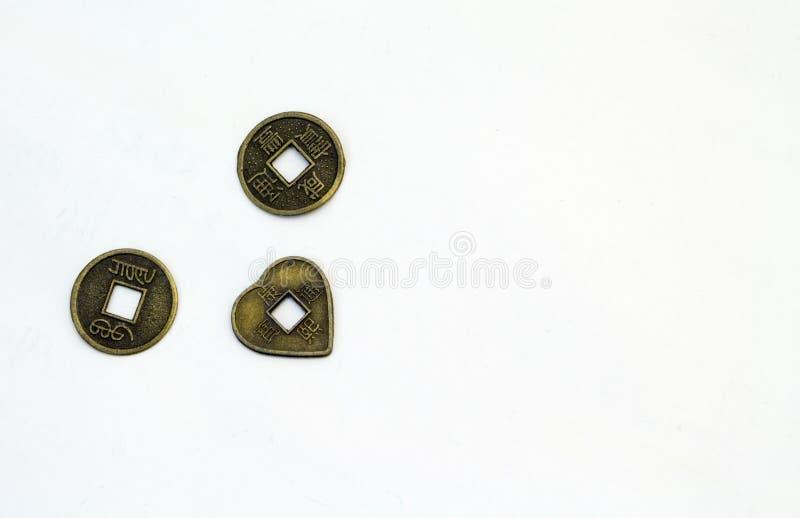 Monedas Feng Shui con el espacio de la copia imágenes de archivo libres de regalías