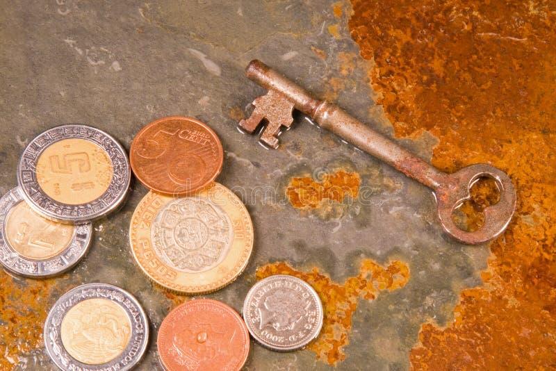 Monedas financieras imágenes de archivo libres de regalías