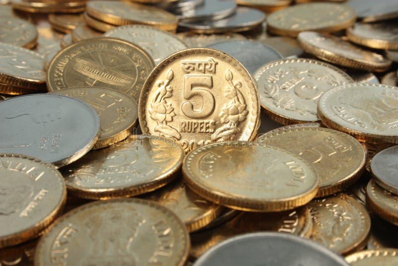 Monedas indias del dinero del dinero en circulación fotografía de archivo