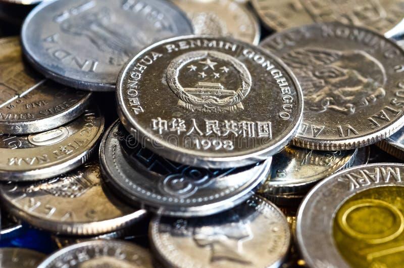 Monedas para el concepto financiero imagen de archivo