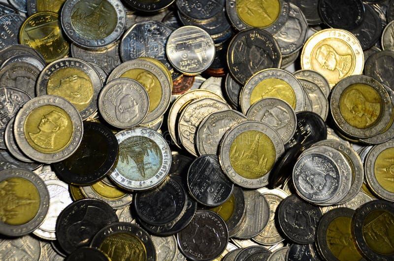 Download Monedas tailandesas foto de archivo. Imagen de monedas - 41917746