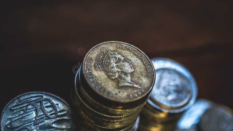 Monedas viejas de Nueva Zelanda fotografía de archivo libre de regalías