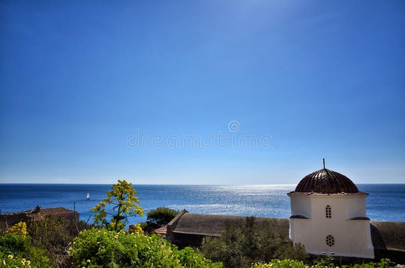 Monemvasia est situé dans le Laconia, Péloponnèse, Grèce, sur une petite île image stock