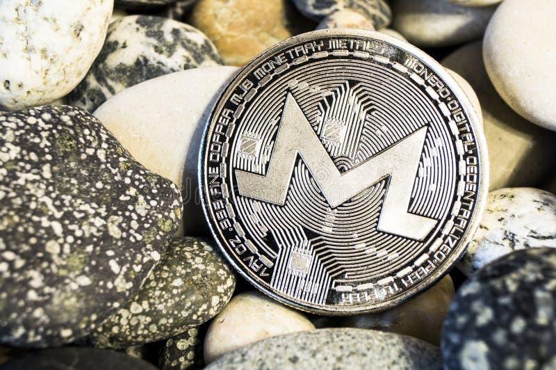 Monero is een moderne manier van uitwisseling en deze crypto munt stock afbeeldingen