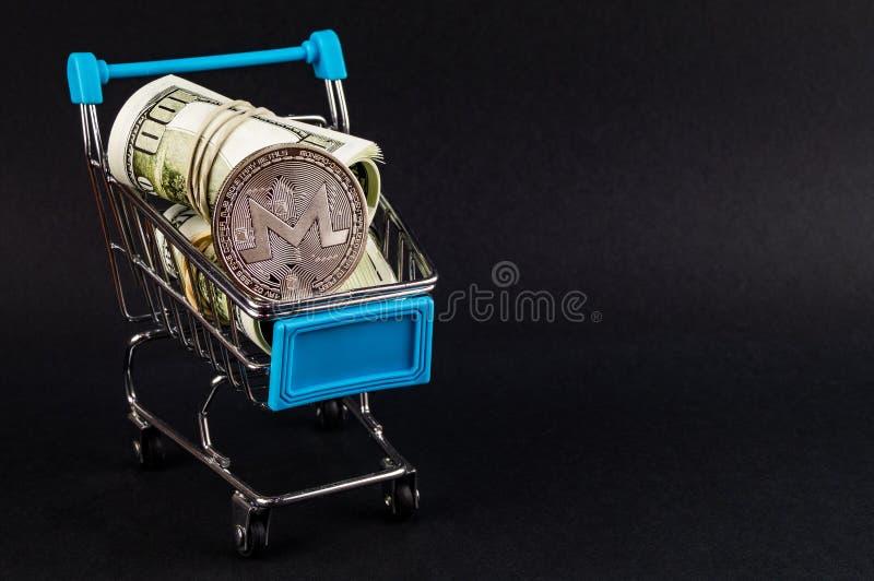 Monero MNR es una manera moderna de intercambio y esta moneda crypto es los medios del pago convenientes en el financiero fotos de archivo libres de regalías