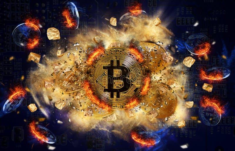Moneta bruciante del bitcoin e monticello delle pepite di oro fotografia stock