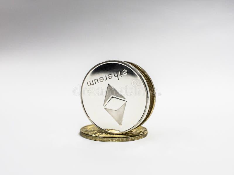 Moneta d'argento di ethereum E Cryptocurrency di ETHEREUM ETH immagine stock
