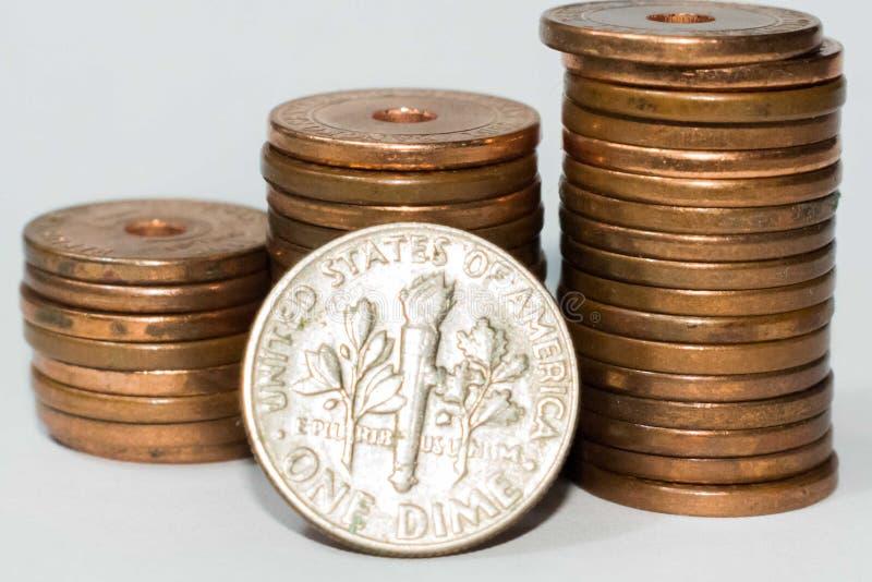 Moneta da dieci centesimi di dollaro degli Stati Uniti isolata su fondo bianco fotografie stock