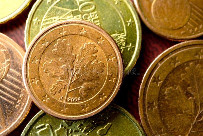Moneta Europejski pieniądze w centrum obramia monetę z fotografia stock