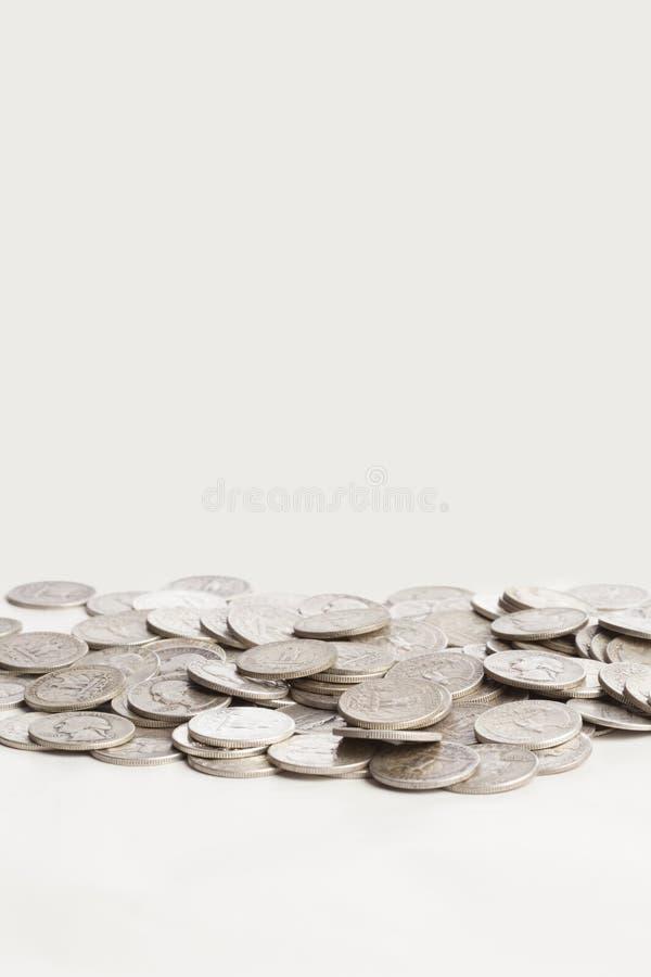 Monete d'argento brillanti fotografie stock libere da diritti