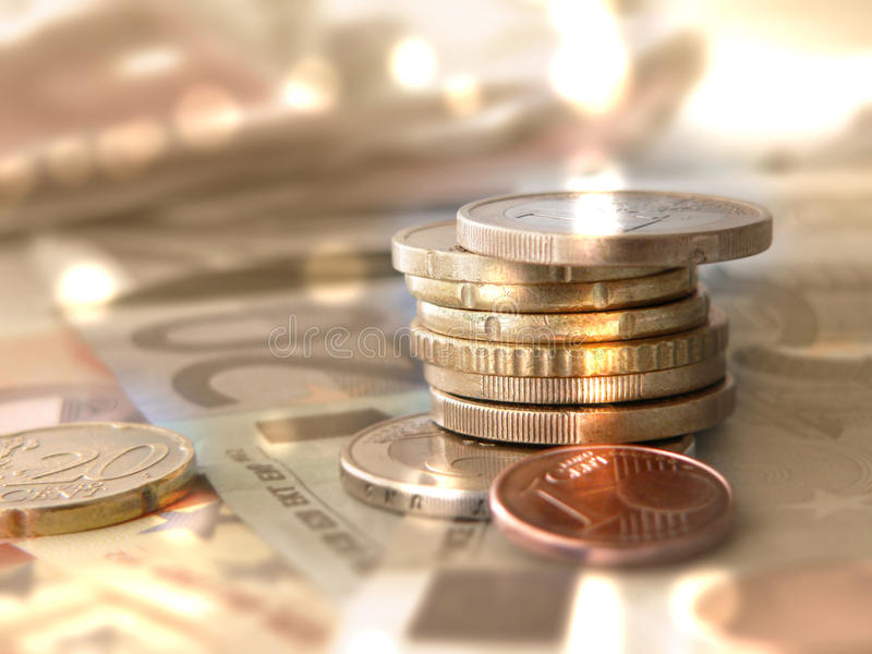 Monete dei soldi e banconote - euro valuta fotografia stock libera da diritti