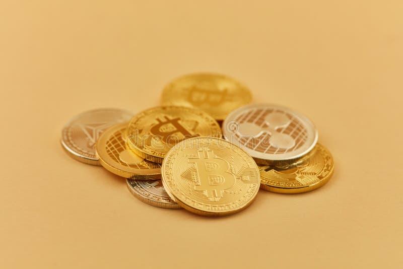 Monete di Cryptocurrency come mucchio fotografia stock libera da diritti