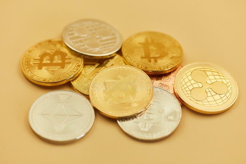 Monete di valuta di Digital come contanti fotografia stock libera da diritti
