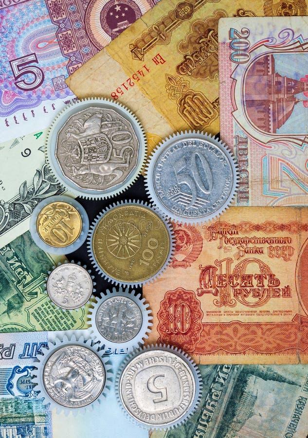 Monety przygotowywają na pieniądze tle obraz stock