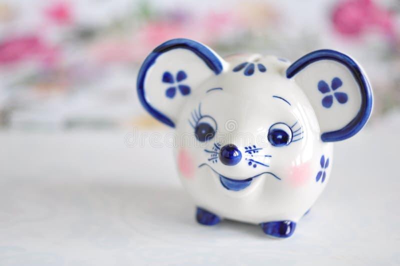 Moneybank Gzhel de jouets photographie stock libre de droits