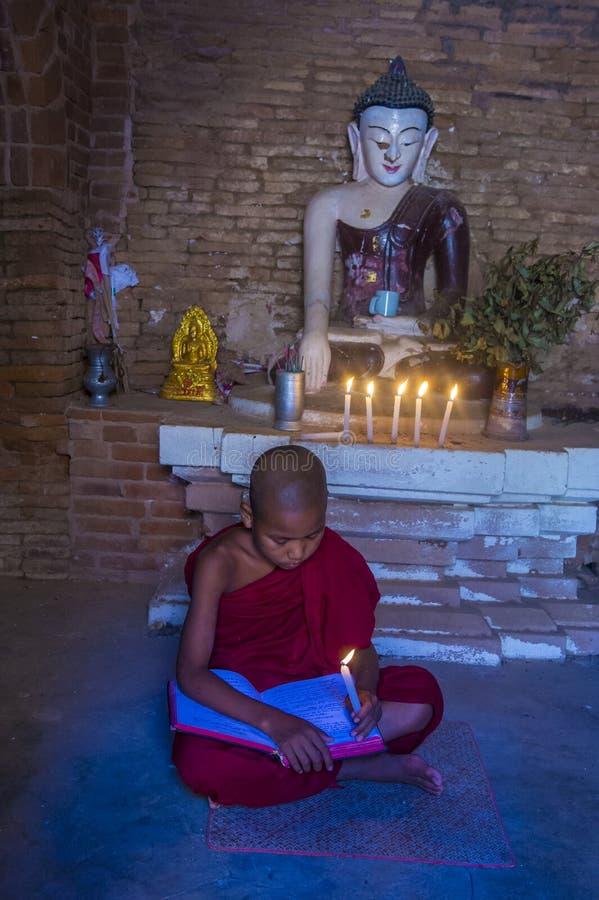 Monge do principiante em Myanmar bagan fotografia de stock royalty free